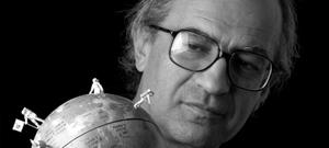 """Corrado Bonomi nasce a Novara nel 1956. Terminati gli studi artistici, partecipa a molte mostre, elaborando un proprio linguaggio. Nel 1995 partecipa al gruppo """"Concettualismo Ironico Italiano"""" (Galleria Falzone di […]"""